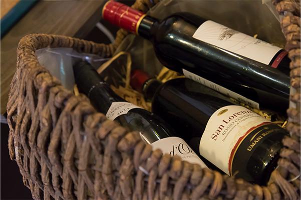 新しいワインとの出会いがここにはあります